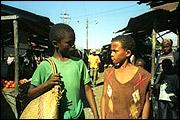 O GRANDE BAZAR (Der große Markt)